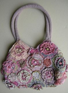 Geranium linen crochet purse by Sophie Digard Freeform Crochet, Crochet Motif, Irish Crochet, Knit Crochet, Crochet Patterns, Crochet Handbags, Crochet Purses, Crochet Bags, Handmade Handbags