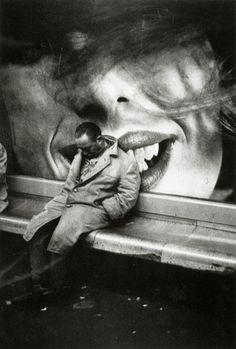 Mario Dondero, Clochard dans le métro | www.lajetee.it