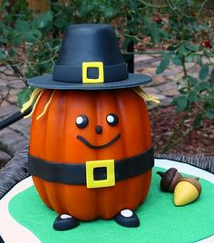 Pilgrim Pumpkin (I know this is a cake, but wouldn't the design make a cute decoration?)