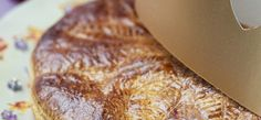 Galette des Rois rhum-raisins _ http://www.cuisineaz.com/dossiers/cuisine/recettes-galettes-des-rois-5352.aspx