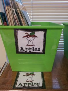 Chalk Talk: A Kindergarten Blog: Classroom Library and Book Shopping Adding labels under book boxes so students know where they go