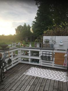 Outdoor Spaces, Outdoor Living, Outdoor Life, Outdoor Decor, Farm Entrance, Built In Grill, Backyard Patio Designs, Backyard Makeover, Outdoor Kitchen Design