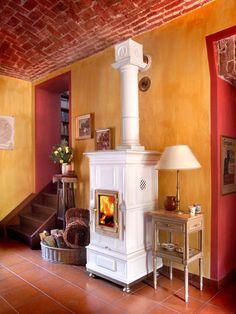 Wood heating stove / traditional / earthenware / ceramic - VIENNA - LA CASTELLAMONTE Stufe di Ceramica