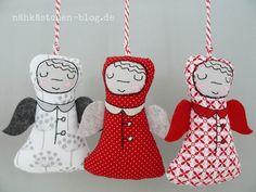 Es sind nur noch 45 Tage bis Weihnachten, und so ist es langsam an der Zeit, mit der... Christmas Nativity, Christmas Ornaments, Machine Embroidery, Xmas, Holiday Decor, Frame, Winter, Craft, Days Until Christmas