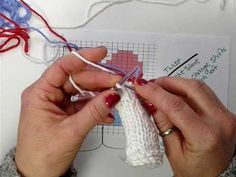 knitting: very detailed and helpful tutorial on how to knit intarsia. very cool!