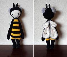 BUZZ the house fly (bee mod) made by Julia S. / crochet pattern by lalylala Crochet Box, Crochet Amigurumi, Crochet Granny, Amigurumi Doll, Amigurumi Patterns, Easy Crochet, Learn To Crochet, Knit Crochet, Crochet Patterns