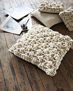 Knitting and Handmade Home Furnishings by Melanie Porter Ana Kraft, Tshirt Garn, Giant Knitting, Extreme Knitting, Cotton Cord, Knitted Cushions, Knit Pillow, Chunky Yarn, Chunky Knits