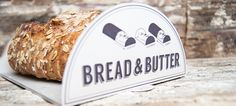Student Morgan Rose created Bread & Butter, an organic bread concept, using different type styles and a clever pouch.