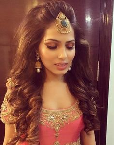 50 best indian hairstyles you must try in 2016 tikka hairstyle, bob hairsty Indian Party Hairstyles, Bollywood Hairstyles, Bride Hairstyles, Trendy Hairstyles, Twisted Hairstyles, Mehndi Hairstyles, Tikka Hairstyle, Medium Hair Styles, Short Hair Styles