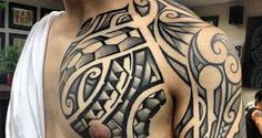 Tatuajes Maories. ¿Qué significan? Aquí te dejamos +20 fotos sobre estos tatuajes. Ideas, diseños. En el brazo, pierna, gemelo, hombro, cara, pecho...