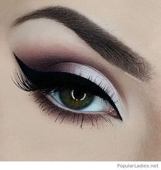 grey-and-black-eye-makeup-for-green-eyes