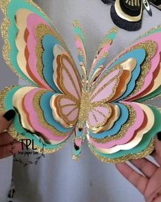 Butterfly Party Decorations, Butterfly Crafts, Diy Party Decorations, Flower Crafts, Origami Butterfly, Paper Flowers Craft, Paper Roses, Paper Crafts, Diy Arts And Crafts