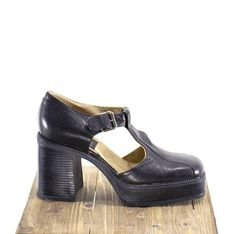 54e864f6b9 90s Platform Shoes Black Leather Grunge Tall Shoes Chunky Heel T Strap Mary  Janes Size 9