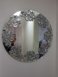 Discover recipes, home ideas, style inspiration and other ideas to try. Aluminum Foil Crafts, Metal Crafts, Diy Arts And Crafts, Tin Foil Art, Tin Art, 3d Art Painting, Feuille Aluminium Art, Pewter Art, Plaster Sculpture