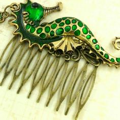 New: Cute seahorse hair comb; a perfect accessorie for a mermaid costume