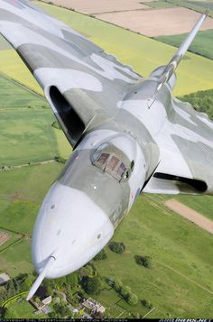 The British Avro Vulcan Bomber - I got to watch this incredible plane flying in the Airshow at RAF Waddington in It was really a sight to see! Military Jets, Military Aircraft, Fighter Aircraft, Fighter Jets, Vickers Valiant, V Force, Avro Vulcan, Aircraft Pictures, Jet Plane
