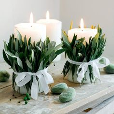 Candles surrounded by olive leaves for a diy wedding decor - Home & DIY Diy Wedding Decorations, Ceremony Decorations, Table Decorations, Decor Wedding, Wedding Cake, Luxury Candles, Diy Candles, White Candles, Deco Floral