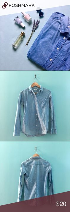 💫NEW Chambray Button Down Women's Chambray button down. An ABSOLUTE spring and summer staple. No signs of wear.   Don't like the price? 💸 Make me an offer with the button below! 👇🏻 Uniqlo Tops Button Down Shirts