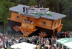 Upside-Down House in Szymbark (Polonia)