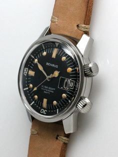One of our favorite type of watches are vintage super compressors. Gents Watches, Stylish Watches, Luxury Watches, Cool Watches, Vintage Dive Watches, Vintage Rolex, Benrus Watch, Fancy Clock, Affordable Watches