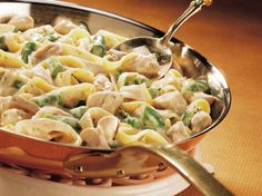 Asparagus-Dijon Chicken Fettuccine : This rich main dish has just a hint of Dijon mustard and is easily prepared using Chicken Helper® fettuccine Alfredo mix. Fettuccine Alfredo, Chicken Fettuccine, Pasta Recipes, Chicken Recipes, Dinner Recipes, Cooking Recipes, Dinner Ideas, Wok Recipes, Skillet Recipes