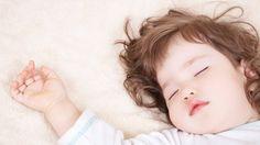 Ikke alle barn sover like godt på natten, bør man da kutte ut sovingen på dagtid?