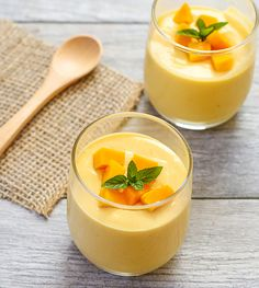 These mango mousse cups are light and airy and not overly sweet, letting the fresh mango puree really shine through. We didn't have a comic up last week because we were too busy at San Diego Comic Con. We should be back to our regular schedule this wee Mango Desserts, Asian Desserts, Köstliche Desserts, Mango Drinks, Mango Souffle, Mango Mousse Cake, Best Mango Mousse Recipe, Peach Mousse, Orange Mousse