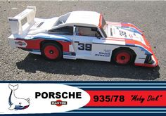 Porsche 935 Moby Dick - Lego 1:8 Scale. - Modular conception - Suspensions on four wheels - Steering - Flat 6 lego technic engine - Brick made of striped livery