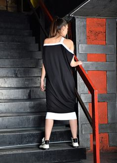 Black dress / loose tunic / knee length dress / black от urbanmood