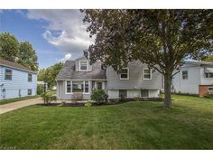#PriceReduction to $155,000 on North Olmsted Split Level!   Spacious Split-Level in #NorthOlmsted has Updates Throughout!   You will not want to miss this move-in ready homes' remodeled bathrooms, kitchen, and lower level!  As if this wasn't enough, the great value also includes a home warranty! Schedule your showing today!  Please contact #TheRSVPGroup for a private showing today!