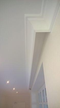 Stuckleiste nmc nomastyl® plus gp Plaster Ceiling Design, Gypsum Ceiling Design, False Ceiling Design, Ceiling Curtains, False Ceiling Bedroom, Home Curtains, Home Room Design, Living Room Designs, Living Room Decor