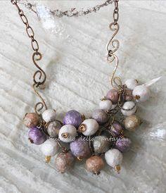 Collana con perle di cartapesta, un'idea riciclo per l'estate, facile da realizzare.  Di Sul Filo Della Fantasia. Papier Mache.