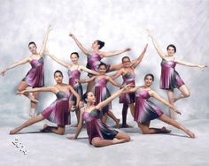 The Ballet Center Students Group Picture Poses, Dance Picture Poses, Dance Photo Shoot, Dance Team Pictures, Ballet Pictures, Dance Photos, Dancers Pose, Ballet Poses, Ballet Dancers