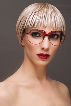 Glasses Style, Eye Glasses, Eyeglasses For Women, Optician, Girls With Glasses, Eyewear, Women Accessories, Poses, Sunglasses