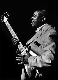 Albert King (April 1923 – December American blues guitarist and singer Art Music, Music Artists, Soul Music, Gibson Flying V, Albert King, King Photography, Blues Brothers, Recorder Music, Music Images