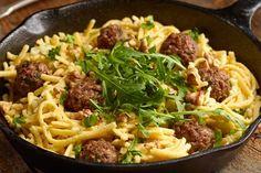 Špecle s kuličkami z mletého masa, parmezánem a vlašskými ořechy. Luxusní záležitost. Mince Meat, Lidl, Recipies, Spaghetti, Menu, Cooking Recipes, Pasta, Vegetables, Ethnic Recipes