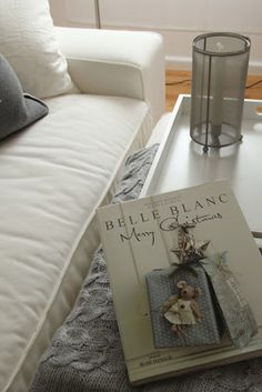 belle blanc, grey, couch, autumn