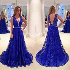 Maravihoso vestido,não acham?❤❤ . . . . . . #weddingday #weddingphoto #wedding #weddings #weddingideas #inspiração #inspiration #insta #instalike #instagood #instagram #foto #azul #blue #longdress #dress #groom #gown #love #amo #maravilhoso #lindo #l4l #likesforlikes #like4like #sonhocasamento