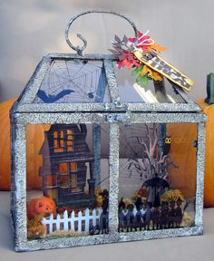 Lisa Hoel's Halloween house using Tim Holtz/Ranger and Sizzix products Halloween Diorama, Halloween Shadow Box, Halloween Fairy, Halloween Lanterns, Halloween Scene, Halloween Projects, Halloween House, Halloween Cards, Holidays Halloween