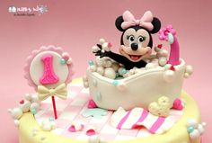 Baby Minnie Mouse Bath  - Cake by Milky Way di Isabella Coppola