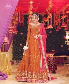 Pakistani Bridal Dresses Online, Pakistani Mehndi Dress, Bridal Mehndi Dresses, Party Wear Indian Dresses, Asian Bridal Dresses, Pakistani Fashion Party Wear, Pakistani Wedding Outfits, Party Dresses Online, Pakistani Bridal Wear