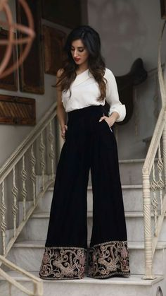 #dailystylish #highfashion #bridal #fashion #palazzo #salwarsuit #embroidery #pants #velvet #kurta #bride #velvet #salwarsuit #salwarkameez #lehnga #sare #anarkali #kurti #sharara #lehngacholi #tunic #desiswag #velvetpants