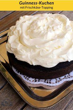 Ein Kuchen wie ihn die Iren lieben würden, obwohl dieses Rezept von Nigella Lawson - einer Engländerin! - stammt. :-) Guinness, Nigella Lawson, Iren, Foodblogger, Desserts, Cakes, Cacao Powder, Moist Cakes, Oven