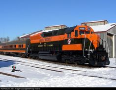 RailPictures.Net Photo: GN 400 Great Northern EMD SD45 at Saint Paul, Minnesota by Andy Inserra