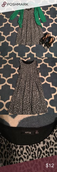 Apt. 9 Animal Print Dress Flirty and cute. Size medium. Pockets. Cute!! Measurements from top to bottom are 34 in. Armpit to armpit 16 in. I'm 5'2 normally a 6/8, fits comfortably and hits above my knee. Apt. 9 Dresses Midi