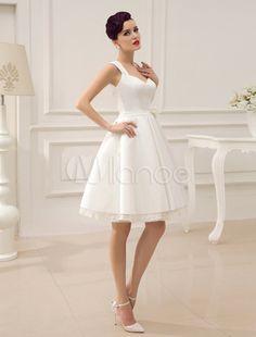 Vestido de noiva marfim até o joelho em tule e cetim com decote nas costas