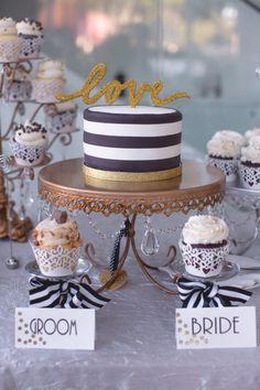 Black-and-White Single-Tier Wedding Cake
