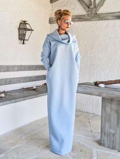 Tauchen Neopren Maxi-Kleid Kaftan mit Taschen / Baby Blau Scuba Kaftan / Plus Size Kleid / Oversize lose Kleid / #35192 Eine sehr elegante... und anspruchsvolle Maxi-Kleid. Sie können in jedem besonderen Anlass tragen und haben einen atemberaubenden Blick. -Handgefertigte Artikel -Material: Scuba Neopren Stretch-Stoff -Das Model trägt: Größe - kleine, Farbe >>> Baby Blau -Fit: Lose Passung -Länge: 150 cm/59 Zoll. ** Wenn Sie unterschiedlichen Länge wünsc...