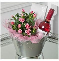 Diy Mother's Day Gift Basket, Wine Gift Baskets, Wine Gifts, Food Gifts, Craft Gifts, Spa Gifts, Mothers Day Baskets, Diy Mothers Day Gifts, Boyfriend Gift Basket