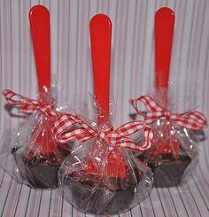Sjokoladeskjeer (lage kakao med å putte dem oppi varm melk) - fin julegave